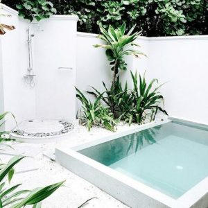 mini piscine carrée blanc