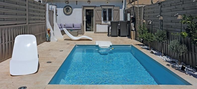 mini piscine bleue